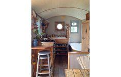 Van Life | 23 inspirierende Umbauten von Bullis und Wohnmobilen