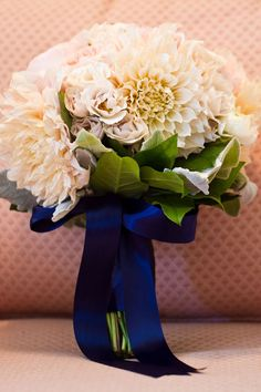another way to incorporate blue into your #wedding #ceremony #bouquet