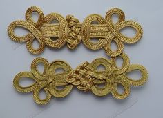 Resultado de imagen para chinese knot buttons how to make Beginner Knitting Projects, Knitting For Beginners, Fabric Patterns, Sewing Patterns, Sewing Ideas, Golden Belt, Rope Decor, Passementerie, Soutache Jewelry