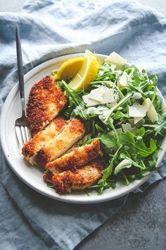 Crispy chicken with arugula parmesan and lemon salad recipe salad salad salad recipes grillen rezepte zum grillen Lemon Salad Recipe, Arugula Salad Recipes, Chicken Salad Recipes, Argula Recipes, Ham Salad, Zoodle Recipes, Food Salad, Recipe Chicken, Potato Salad