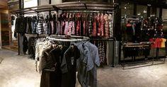 Hello! Nikmati kenyamanan belanja di INSPIRED27 2nd Store. Kita buka sampai 10 malam hari ini.