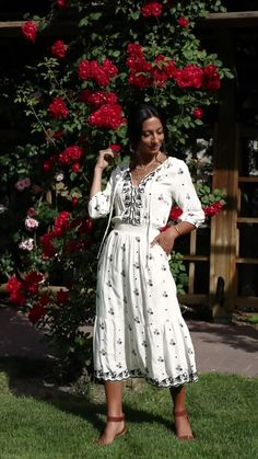 Ships from the US! Free and easy returns! Modest Dresses Casual, Casual Dresses For Women, Sexy Dresses, Fashion Dresses, Lace Dresses, Royal Blue Gown, Lace Dress Styles, Sunday Dress, Dresses To Wear To A Wedding