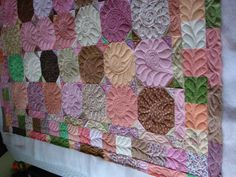 love, love, love this quilting in the snowball block!