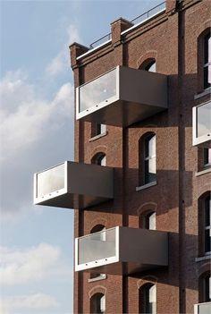 la Minoterie - Rehabilitation of an ancient mill in 44 lofts - Roubaix, France - 2008 - Tank Architects
