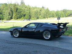 De Tomaso Pantera Black with clean looking rims. Simple and clean.