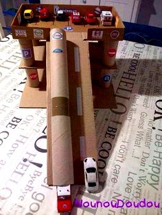 DIY cardboard box Hot Wheels Garage The post fun takes place Friday appeared first o . - DIY Projekte - DIY cardboard box Hot Wheels Garage The post fun takes place Friday appeared first on PINK DiY. Kids Craft Box, Baby Crafts, Toys For Boys, Diy Crafts For Kids, Kids Diy, Children Crafts, Summer Crafts, Creative Crafts, Fun Crafts