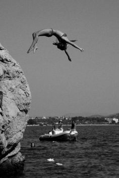 Vintage girl black and white photography cliff jumping on water cool bikini Photography Beach, Fashion Photography, Summer Of Love, Summer Fun, Photos, Pictures, Belle Photo, Summer Vibes, Summer Feeling