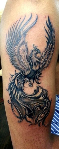 Ideas for tattoo bird phoenix tatoo Phoenix Tattoo Sleeve, Phoenix Tattoo Feminine, Phoenix Bird Tattoos, Wolf Tattoo Sleeve, Phoenix Tattoo Design, Sleeve Tattoos, Tattoo Pheonix, Cover Up Tattoos, Body Art Tattoos