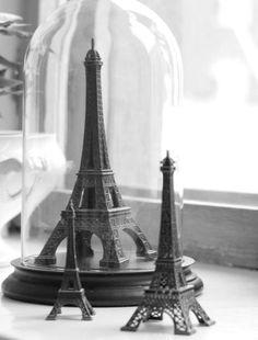Je marchais dans les rues de Paris dans mon esprit http://houseofbliss.blogspot.com.br/
