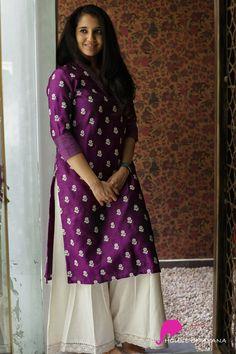 Printed Kurti Designs, Simple Kurti Designs, Kurti Neck Designs, Kurta Designs Women, Blouse Designs, Long Gown Dress, Sari Dress, Saree Blouse, India Fashion