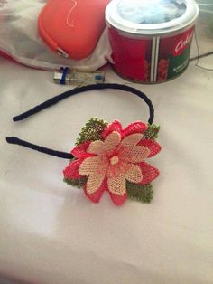 Needle Lace, Lace Flowers, Needlepoint, Knots, Diy And Crafts, Crochet Earrings, Ornaments, Handmade, Jewelry