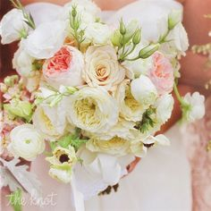 Such a vintage look with garden roses, anemones and ranunculus