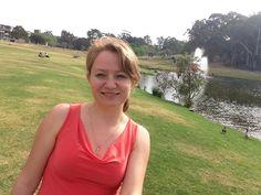 На территории Macquarie University (Сидней) располагаются не только учебные корпуса и студенческие общежития, но и самый настоящий пруд! С фонтаном, утками, гусями, рыбками и прочей живностью! Education In Australia, V Neck, Women, Fashion, Moda, Fashion Styles, Fashion Illustrations, Woman