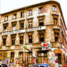 Scheunenviertel in Berlin, Berlin - Nice place to wander around. Cafes, boutiques, and art