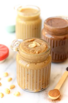 Have you ever wondered how easy it is to make your own peanut butter? This homemade peanut butter recipe is quick, simple and skips all those fillers found in many store-bought peanut butters. Make your own peanut butter today! Homemade Peanut Butter, Healthy Peanut Butter, Peanut Butter Recipes, Healthy Holiday Recipes, Healthy Dessert Recipes, Healthy Snacks, Thai Recipes, Healthy Eating, Desserts