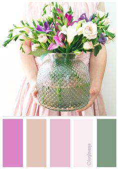 Colour Palettes For Summer Inspiration - do you like this floral display ?