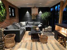 Narrow Backyard Ideas, Backyard Patio Designs, Summer House Garden, Hot Tub Garden, Outdoor Garden Rooms, Outdoor Living, Outdoor Decor, Industrial Bedroom Design, Hot Tub Room