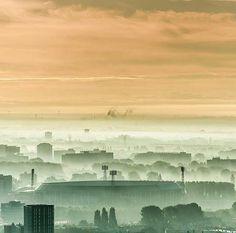De Kuip in de mist  Foto: @peterschmidt1952  #citylife #Rotterdam #rotterdaminthepicture #maasstad #rotterdamcity #rotterdaminthepicture #skyline #citygram  #rotterdam010 #rotterdamsehaven #misty #komieuitrotterdamdan #rtvrijnmond #nultien #010 #cityScape #gers #gersmagazine #roffa #killeverygram #igersrotterdam #rotterdamskyline #igrotterdam #skylinerotterdam #instamagazine #stadionfeyenoord #feyenoord #illgrammers #dekuip #gemeenterotterdam