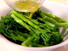 Lemon Broccolini recipe from Healthy Appetite with Ellie Krieger via Food Network Food Network Recipes, Cooking Recipes, Healthy Recipes, Healthy Foods, Catering Recipes, Fit Foods, What's Cooking, Delicious Recipes, Easy Recipes