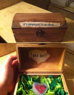 Geek Love #ValentinesDay #Valentine #Romance O_O... now thats how you propose!!!