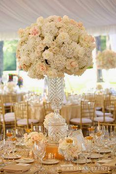 ideas for wedding centerpieces tall roses sophisticated bride Mod Wedding, Elegant Wedding, Wedding Table, Floral Wedding, Perfect Wedding, Wedding Flowers, Dream Wedding, Wedding Day, Wedding Blog