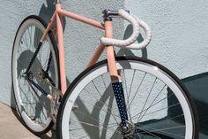 Fixi Bike, Fixed Gear Bicycle, Cannondale Mountain Bikes, Vertical Bike, Bicycle Painting, Bike Parking, Bike Style, Bike Frame, Cycling Art