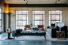 Το συγκεκριμένο loft που βρίσκεται στην περιοχή Arts στο κέντρο του Los Angeles, πριν ανακαινιστεί από το αρχιτεκτονικό γραφείο Marmol Radziner, ήταν
