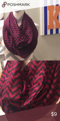 VANITY chevron infinity scarf Lightweight infinity scarf perfect for fall! Magenta and navy blue chevron. Never worn! Vanity Accessories Scarves & Wraps