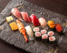 【西麻布・六本木・渋谷エリア】 SUSHI権八のお寿司はご自宅やオフィスでもお楽しみ頂ける!テイクアウトやUberEatsを使った宅配サービスであれば近隣へのお届けも可能です。セットだけでなく、お好きなお寿司をお好きな数からアレンジ可能。本格にぎり寿司で楽しく贅沢パーティをお楽しみください。 Sushi, Ethnic Recipes, Food, Food Food, Essen, Meals, Yemek, Eten, Sushi Rolls