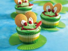 Have everyone green with envy at the next bake sale when you present these toadally cute cupcakes!