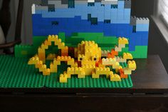 Story Time; DIY a Duplo Octopus. As Project to use for your 'Under The Sea' Theme. Designer Marie Artanag, shows you in Clear View Pictures, how you can build this scene! She is amazing with Duplo! Building amazing things..... Build With Me Blog