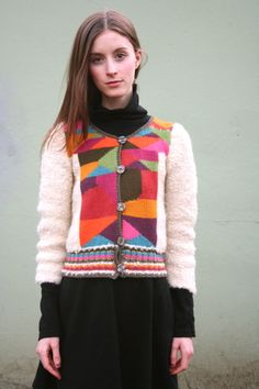 .Just love the colour blocked geometric shapes with the stripes