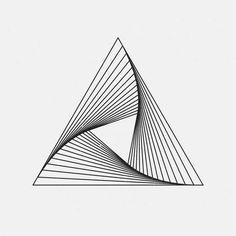 tatouage géométrique triangle idée minimaliste