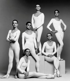 © Irving Penn (1991) (From up to bottom and from left to right) Darci Kistler, Helena Alexopoulos, Kyra Nichols, Merrill Ashley, Maria Calegary (sitting on the pedestal) and Judith Fugate (sitting on the floor) Dance Photography, Creative Photography, Fashion Photography, Vintage Photography, Irving Penn, Ballet Top, Ballet Dancers, Ballerinas, Ballet Style