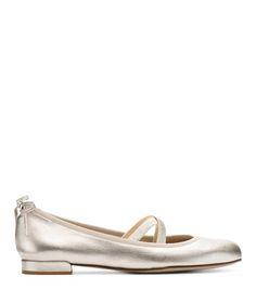 Stuart Weitzman BOLSHOI FLAT in Leather Flats Shoe