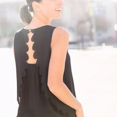 Scalloped Back Details