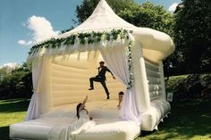 Wedding Bouncy Castle Trend The latest news on Wedding Planning is on POPSUGAR UK. On POPSUGAR UK, you will find news on entertainment, celebrities and Wedding Planning. Cute Wedding Ideas, Wedding Games, Wedding Trends, Perfect Wedding, Wedding Tips, Diy Wedding, Wedding Stuff, Wedding With Kids, Fun Wedding Activities