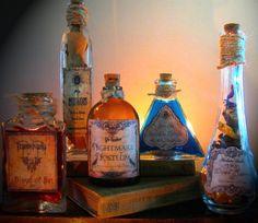 5 Potion Bottles Halloween Prop Decoration -Mugwort -blood of bat-Nightmare Halloween Spells, Halloween Gifts, Halloween Decorations, Halloween Prop, Halloween Apothecary, Halloween Labels, Halloween Projects, Bottles And Jars, Witch Bottles
