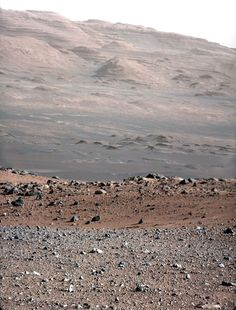 The Clearest Images Of Another Planet You've Ever Seen Mars. The Clearest Images Of Another Planet You've Ever Seen Now that the Curiosity rover is good and settled, it's starting to take in some scenery. Cosmos, Nasa, Mars Science Laboratory, Curiosity Rover, Curiosity Mars, Planets And Moons, Red Planet, Mars Planet, Space And Astronomy