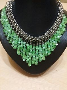 Chainmaille persa c/ escallas verdes // by ManoCosmica.com
