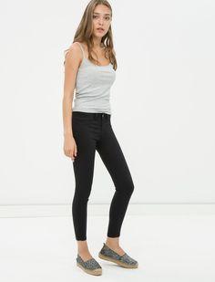 En ucuz Koton Kadın Skinny Jean Pantolon fiyatları ucuza.gen.tr'de... Gelin en ucuz KOTON markalı ürünleri ve çocuk giyim kategorisindeki ürünleri en ucuz fiyata bulun, alın...