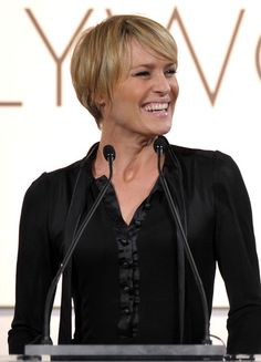 robin wright haircut in house of cards   ... in this photo robin wright penn presenter robin wright onstage during