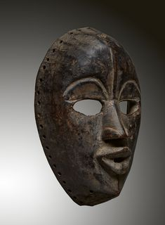 - DAN MASK - Lot 2 - Estimate: €2000 - €3000 - Find all details for this object in our online catalog! Museum Exhibition, Ivory Coast, North Africa, African Art, Dan, Auction, Sketches, Artist, Liberia
