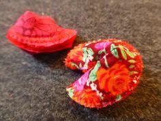 DIY: fortune cookies for valentine's day  http://bricartbrac.blogspot.fr/