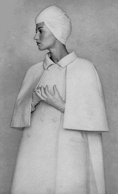 1964 Philippe Venet 1960s Fashion, High Fashion, Fashion Show, Vintage Fashion, Fashion Styles, Vintage Coat, Vintage Style, Purple Coat, Vintage Vogue