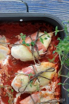 Kurczak w szynce z mozzarellą i ziołami