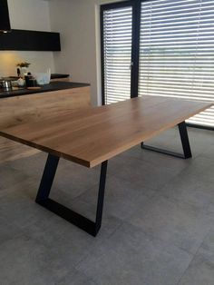 Solid oak dining table extended by Poppyworkspl - tisch COLT. Solid oak dining table extended by Poppyworkspl Solid Oak Dining Table, Steel Dining Table, Dining Room Table, Wood Table, Wooden Dining Tables, Dining Table Design, Wood Furniture, Furniture Design, Handmade Furniture