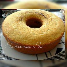 Boa tarde, pessoas bem queridas!  Quem não gosta de um bolo leve e bem fofinho? E ainda por cima com um café fresquinho?  Aqui anda com chuv...