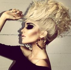 literally obsessed. hair, make-up, eyebrows, cheekbones, nails.  i die!