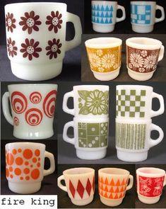 Vintage Fire King mugs Vintage Kitchenware, Vintage Dishes, Vintage Glassware, Vintage Pyrex, Pyrex Vintage Patterns, Antique Dishes, Vintage Fire King, Vintage Tupperware, Vintage Decor